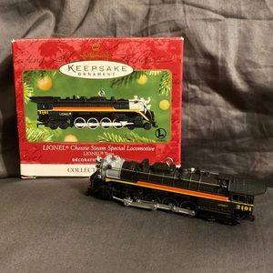 Hallmark Ornament Lionel Chessie Steam Locomotive